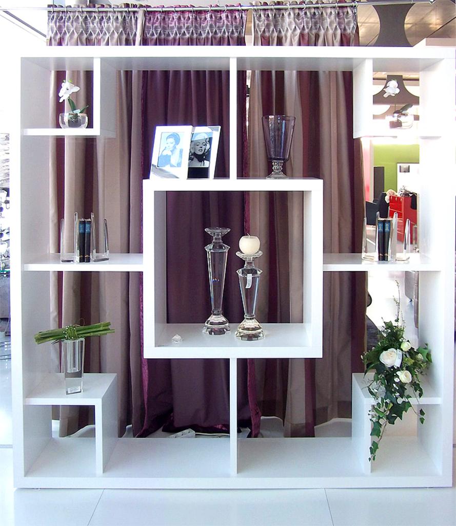 Alle Polstermöbel Werden In Der Hauseigenen Schreinerei Und  Polstermöbelmanufaktur In Präziser Handarbeit Nach Kundenwunsch Angefertigt.